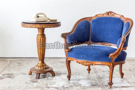 telefon telephon sessel lehnstuhl blau schreibtisch
