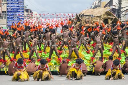 members of tribu panayanon perform during