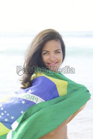 junge brasilianische frau 20 bis 29