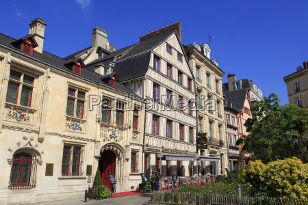hotel de bourgtheroulde old town rouen