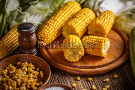 sweet boiled corn
