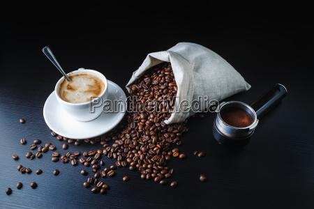 cafe restaurant stilleben glas becher trinkgefaess