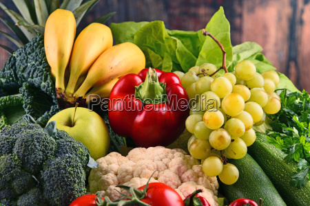 composition with variety of raw organic