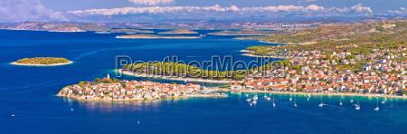 adriatisches reiseziel von primosten luftpanorama schaerenblick