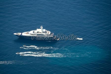 yacht in der adria