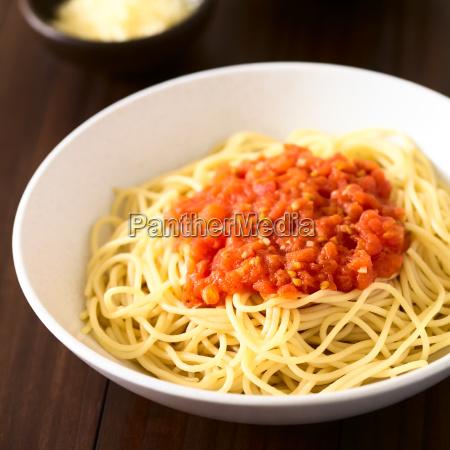 spaghetti alla marinara spaghetti with tomato