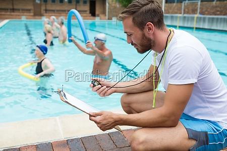 swim trainer blick auf zwischenablage in