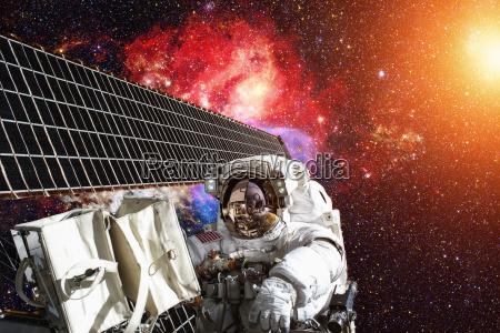 space weltraum astronaut milchstrasse galaxie sternbild