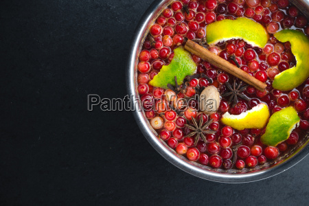 cranberry cinnamon and peel in a