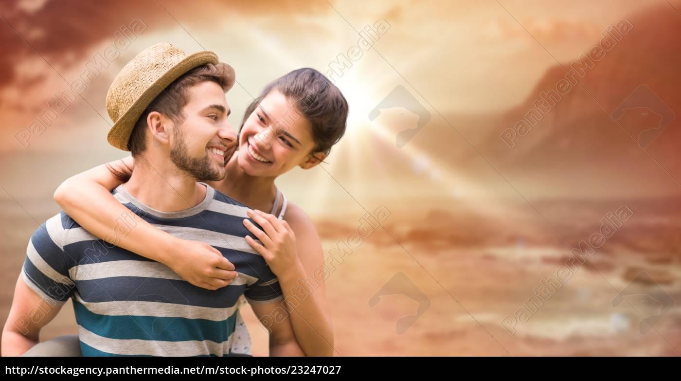 glücklicher, mann, gibt, huckepack, fahrt, zu - 23247027