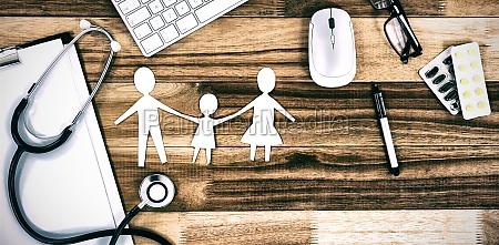 papier ausgeschnitten familienkette mit verschiedenen medizinischen