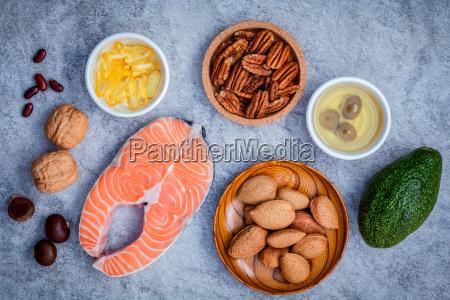 ausgewaehlte nahrungsquellen von omega 3 und