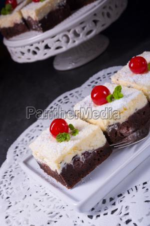 delicious cherry cream cake