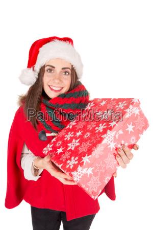 maedchen mit weihnachtsgeschenk