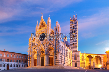 siena cathedral at sunrise tuscany italy