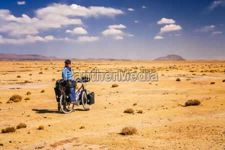cycle touring through the bolivian countryside