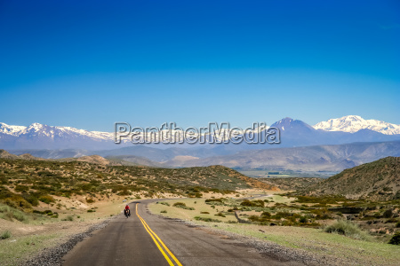 cycling on argentinian roads