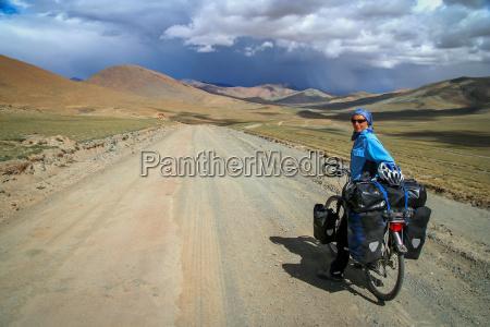 cycling through tibet