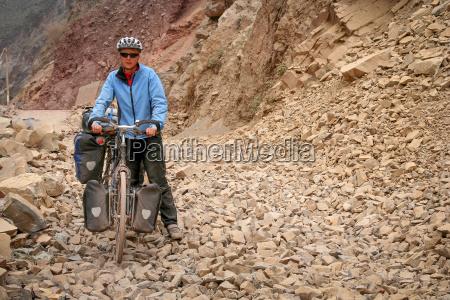 cycling in yunnan