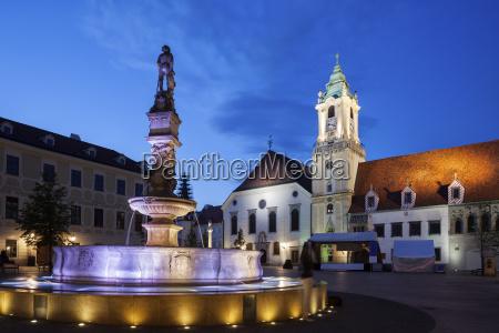 slovakia bratislava old town roland fountain
