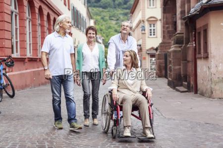 deutschland heidelberg senior freunde mit frau