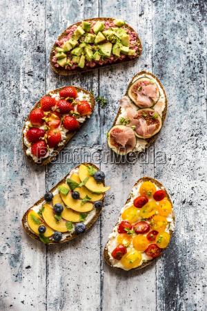 different sandwiches strawberry fig nectarine avocado
