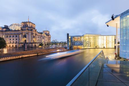 fahrt reisen stadt modern moderne tourismus