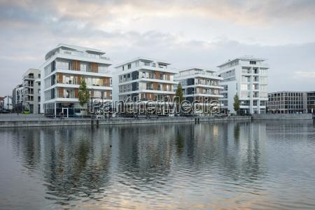 haus gebaeude modern moderne wolke deutschland