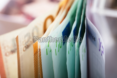 nahaufnahme von eurobanknoten