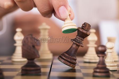 handspielerin und falling king