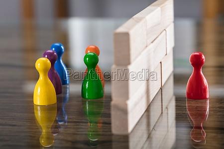 rote und blaue figurinpaste getrennt durch