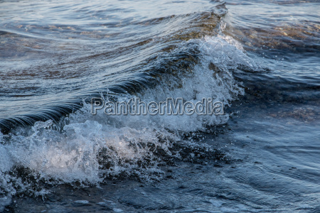 the sea and waves at the
