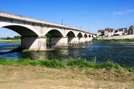 bridge pont du marechal leclerc over