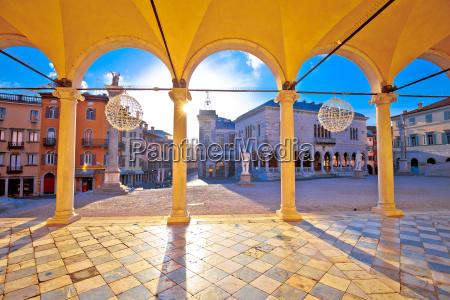 ancient italian square arches and architecture