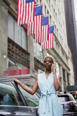 usa new york junge blonde afroamerikanerfrau