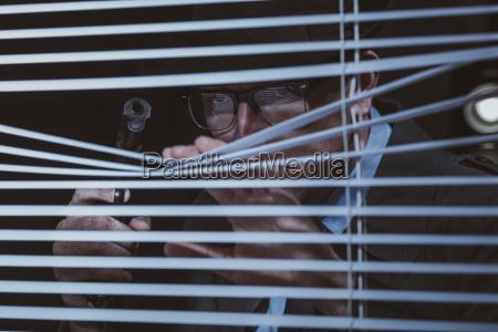 gefahr gefahren gefaehrdung fenster luke glasfenster