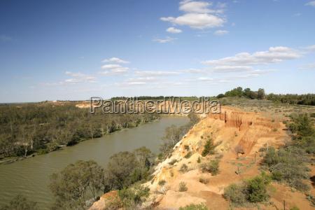 murray river steilufer mit roten