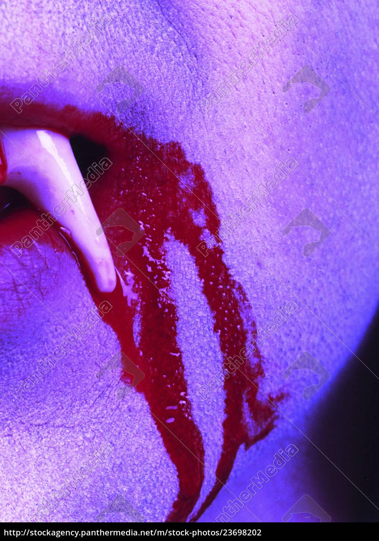 vampir, blutstropfen, zahn - 23698202