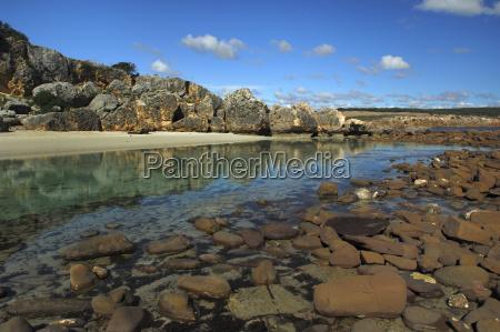 saltwater lagoon on kangaroo island flinders