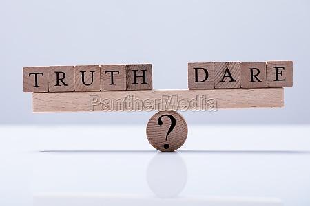 wahrheit und dare blocks sind ausgebalanciert