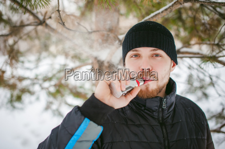 typ kerl zigarette maenner mann gesundheit