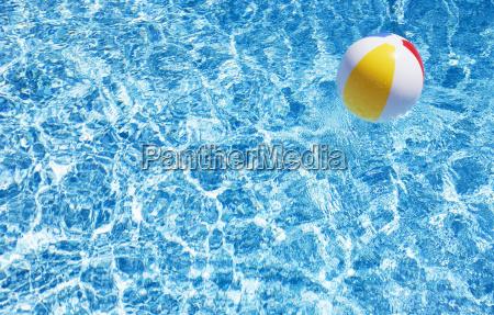 blau urlaub urlaubszeit ferien ball sommer