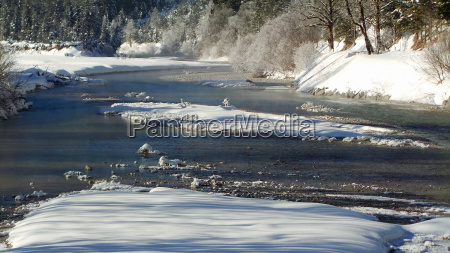 river isar bavaria ice snow front