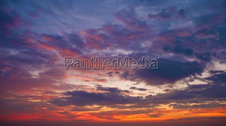 sonnenuntergang wolke sonnenlicht abendrot horizontal lila