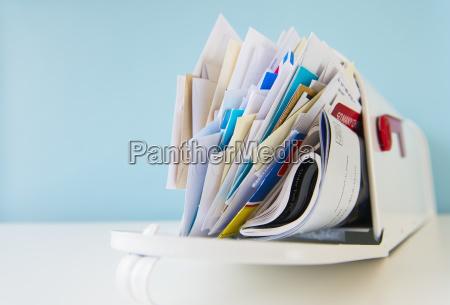 horizontal briefkasten magazin zeitschrift buchstabe waagerecht