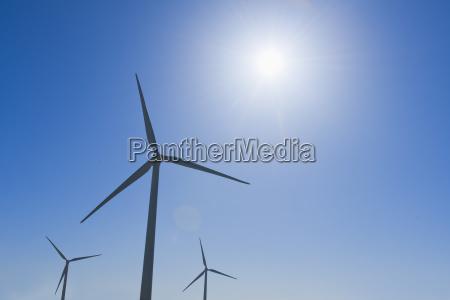 sonnenlicht energie strom elektrizitaet horizontal outdoor