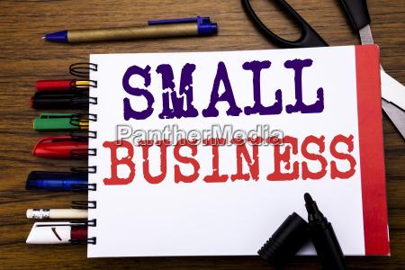handschriftliche ankuendientext der small business zeigt