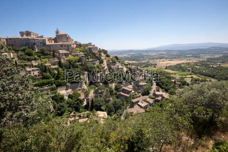 mittelalterliche bergstadt gordes provence frankreich