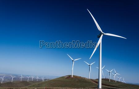 windkraftanlagen, auf, sanften, hügeln - 24140254