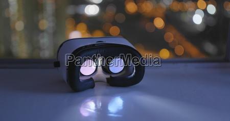 virtual-reality-gerät, spielt, im, inneren - 24144716